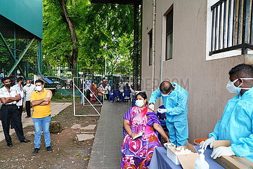 SRI LANKA-COLOMBO-COVID-19-VACCINATION