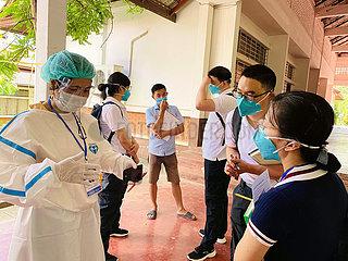 LAOS-VIENTIANE-CHINA-MEDICAL TEAM-COVID-19