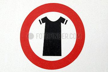 Dubai  Vereinigte Arabische Emirate  Hinweisschild: Angemessene Kleidung tragen