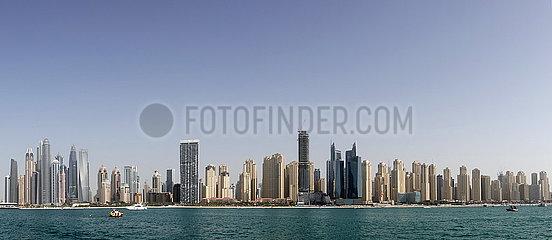 Dubai  Vereinigte Arabische Emirate  Panorama der Skyline