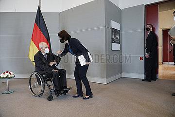 Karoline Edtstadler  Wolfgang Schaeuble - Treffen des Praesidenten des dt. Bundestages mit der oesterreichische  Bundesministerin fuer EU und Verfassung  Bundestag