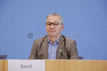 Bundespressekonferenz zum Thema: Vorstellung der Zukunftsagenda mit detaillierten Forderungen f?r eine sozial-oekologische Transformation zur Bundestagswahl
