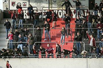 jubelnde Fans des SV Lippstadt