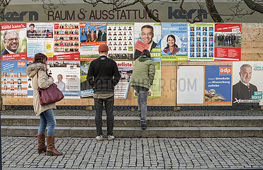 Plakatwand zur bayerischen Kommunalwahl am 15. Maerz 2020  Wasserburg am Inn  Februar 2020