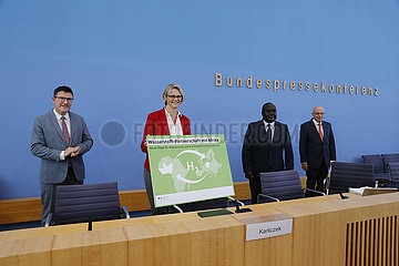 Bundespressekonferenz zum Thema: Aufbau einer Wasserstoffpartnerschaft mit Westafrika - Neue Wege f?r Klimaschutz und wirtschaftliche Entwicklung