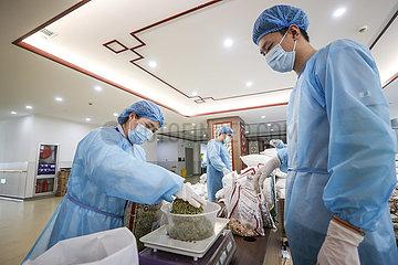 CHINA-LIAONING-YINGKOU-COVID-19-Chinesische Medizin (CN)