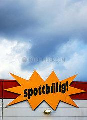 spottbillig  Sonderpostenmarkt  Muelheim  Nordrhein-Westfalen  Deutschland