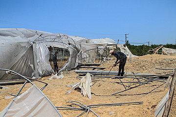 MIDEAST-GAZA-CONFLICT geschädigter FIELD