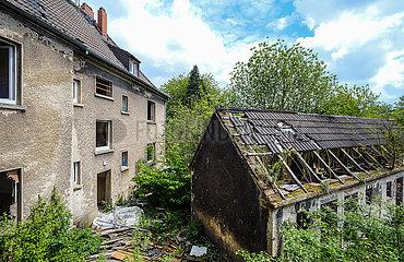 Abrisshaeuser in der ehemaligen Schlaegel- und Eisensiedlung  Gladbeck  Nordrhein-Westfalen  Deutschland