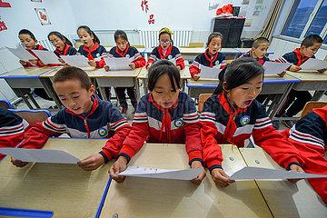 Xinhua Schlagzeilen: China Unterstützung Paare  die dritte Kind