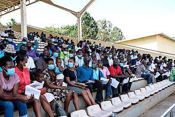 UGANDA-KAMPALA-COVID-19-MASS IMPFUNG