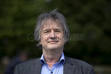 Prof. Dr. Juergen Schupp  Grundeinkommen