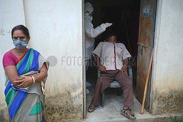 INDIEN-Agartala-COVID-19-TEST