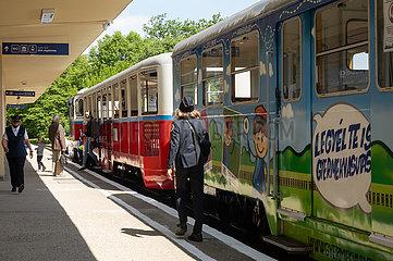 UNGARN-BUDAPEST-Kinder-Eisenbahn-NEUSTART
