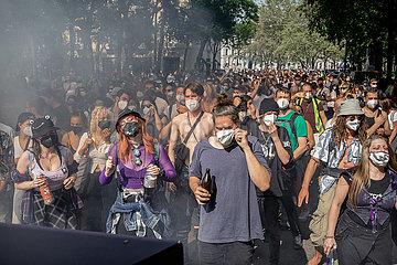 München: Demonstration für mehr Freiräume