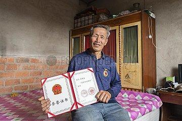 CHINA-HEILONGJIANG-YiChun-Waldhofes Arbeiter (CN)