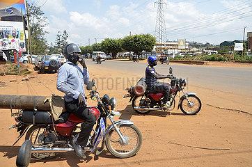 UGANDA-KAMPALA-Sauerstoffflasche-SUPPLY-COVID-19