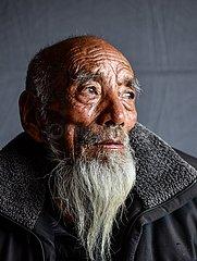 (InTibet) CHINA-TIBET-EHEMALIGE SERF-NEW LIFE-TOBGYE (CN)