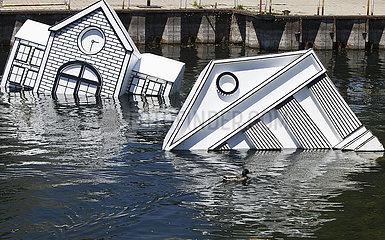 KANADA-TORONTO-ART INSTALLATION-OVER FLOE