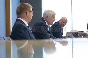 Bundespressekonferenz zum Thema: Verfassungsschutzbericht 2020