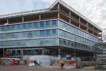 Berlin  Deutschland - Neubau eines Buero-Gebauedes in der Gerichtsstrasse in Berlin-Mitte
