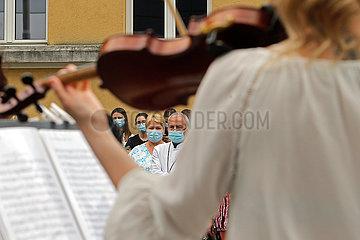ROMANIA-BUCHAREST-COVID-19-MUSICAL PERFORMANCE