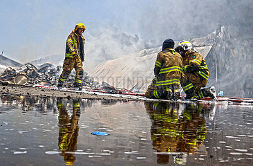 KUWAIT-CAPITAL GOVERNORATE-LAGER FIRE