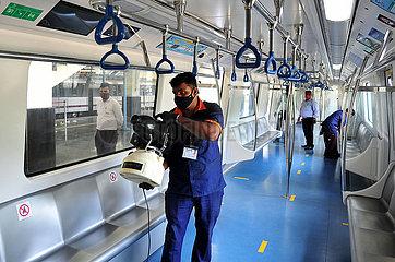 INDIEN-BANGALORE-Metrozug-READY TO RESUME SERVICE