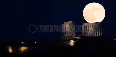 GREECE-CAPE SOUNION-TEMPLE OF POSEIDON-FULL MOON