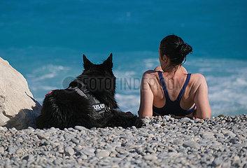 FRANKREICH-NICE-ALLTAG-DOG BEACH