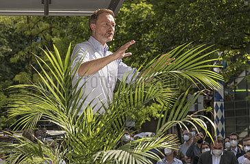 Christian Lindner  FDP Vorsitzender  Kundgebung  Muenchen  2. Juli 2021