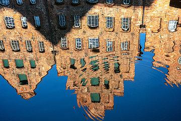 Hansestadt Lübeck  Salzspeicher  Trave.