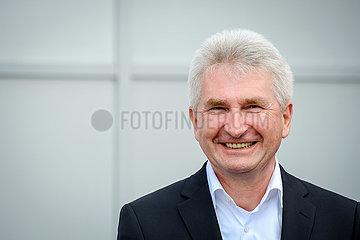 NRW Wirtschaftsminister Andreas Pinkwart besucht die Maschinenfabrik NEA Group  Uebach-Palenberg  Nordrhein-Westfalen  Deutschland