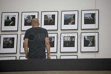 Ausstellung Andreas Muehe. Alles was noch nicht gewesen ist  ist Zukunft  wenn es nicht gerade jetzt ist   Lipsiusbau  Staatliche Kunstsammlungen Dresden