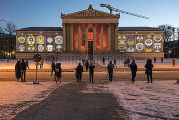 Lichtaktion im Kunstareal  Koenigsplatz  Muenchen  Februar 2021
