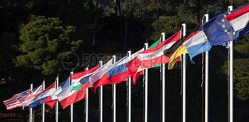 Kroatien  Rab - Flaggen von EU-Staaten  der USA und Grossbritanniens