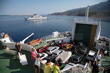 Kroatien  Rab - Abfahrt der Autofaehre von der Insel Rab zum Festland