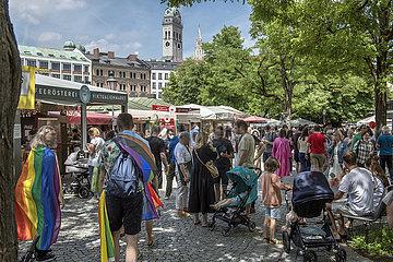 Viktualienmarkt  viele Menschen unterwegs  10.07.2021
