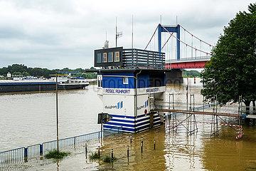 Hochwasser  Pegel Ruhrort  Duisburg  Nordrhein-Westfalen  Deutschland