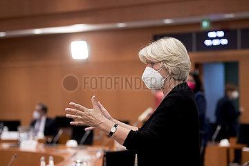 Monika Gruetters  Kabinett