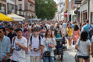 Wirtschaftswachstum? Volle Fußgängerzone in München