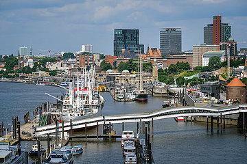 Stadtansicht Hafen Hamburg  Deutschland  Europa