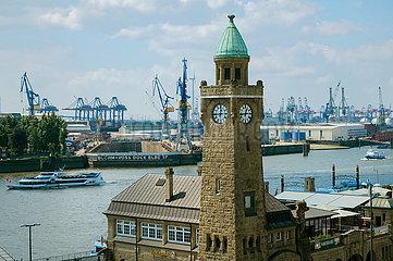Pegelturm  Stadtansicht Hafen Hamburg  Deutschland  Europa