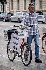 Querdenker demonstrieren in München