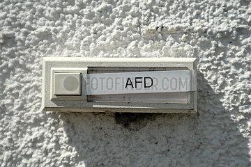 Deutschland  Stuhr - Klingel am Sitz des Landesverbands der Bremer AfD in einem Gewerbegebiet im Umland von Bremen