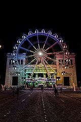 Sommer in der Stadt  Königsplatz - München