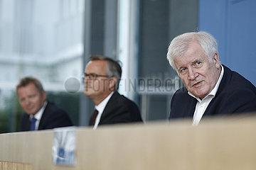 Bundespressekonferenz zum Thema: Innenausschuss zum Thema Afghanistan