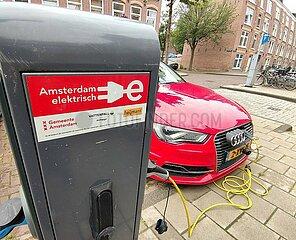 E-Auto-Ladestation in Amsterdam
