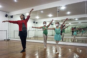 Indonesien-Bali-Covid-19-Ballett-KLASSE