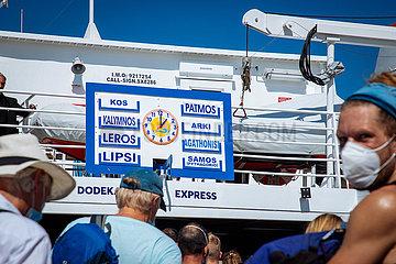 Ankunft der Schnellfaehre Dodekanisos Express